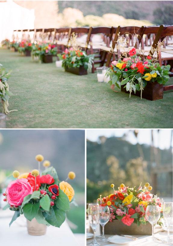 Wystrój na weselu z kolorowych kwiatów