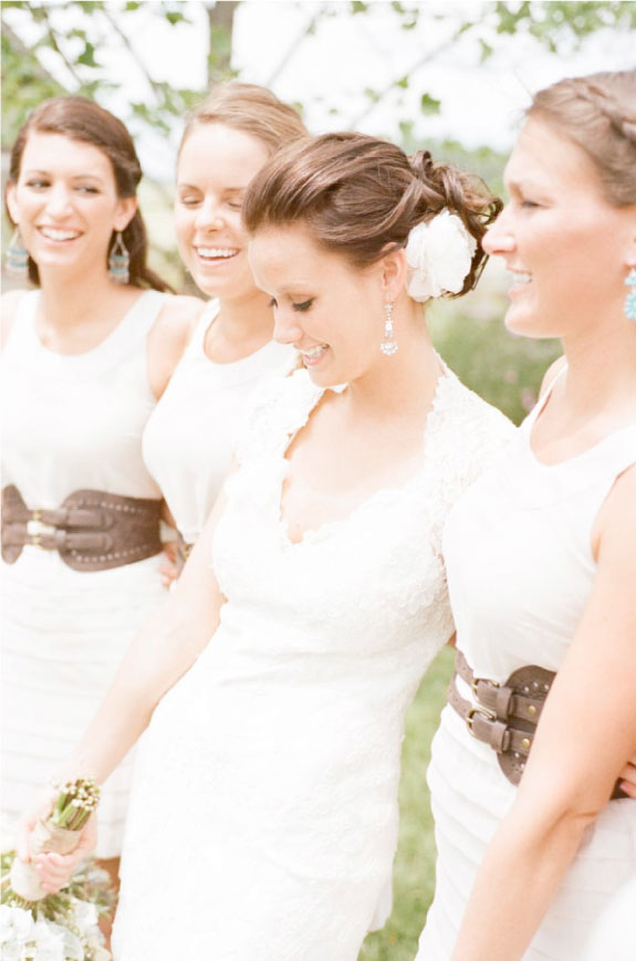 Piękne druchny na ślubie obok Panny Młodej