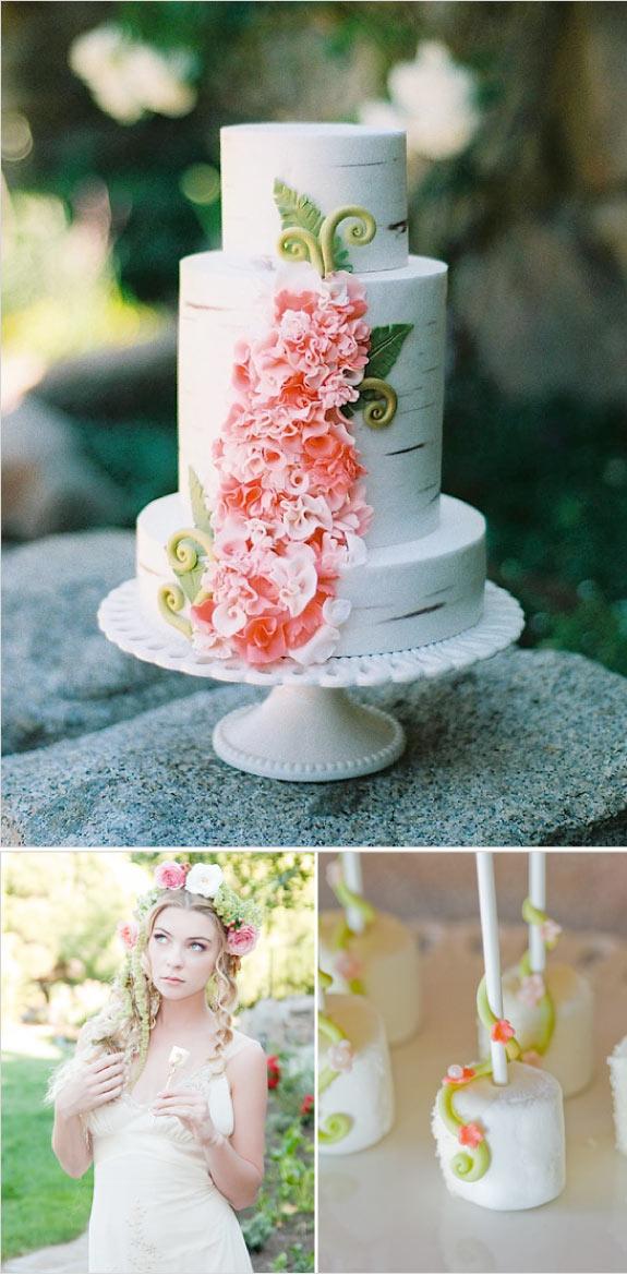 Tort Ślubny z Kwiatowymi Dekoracjami