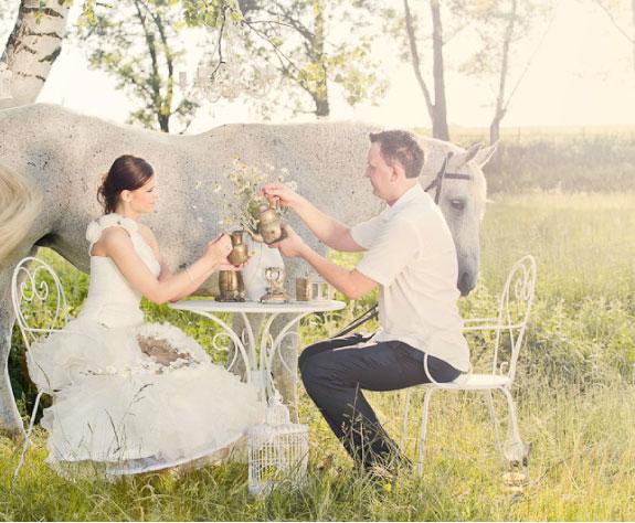 Stylizowane Zdjęcia Ślubne Z Koniem