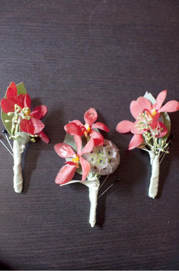 Czerwone Kwiaty do Butonierki