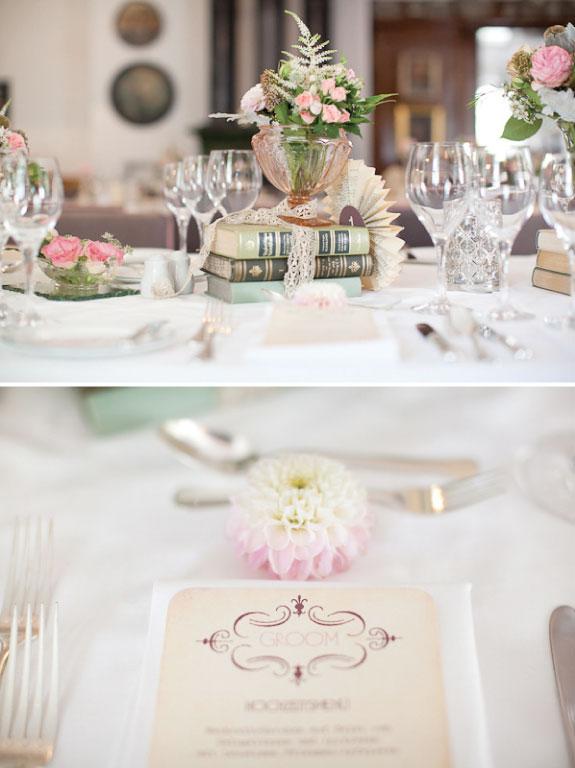 Dekoracja stołów weselnych w odcieniach różu i fioletu z kryształową zastawą