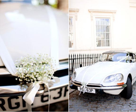 Stary biały citroen do ślubu