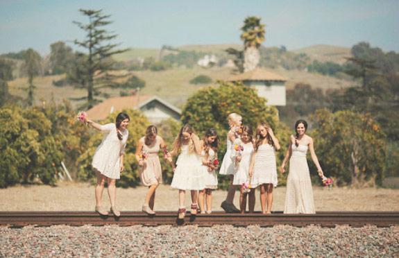 druhny w białych sukienkach
