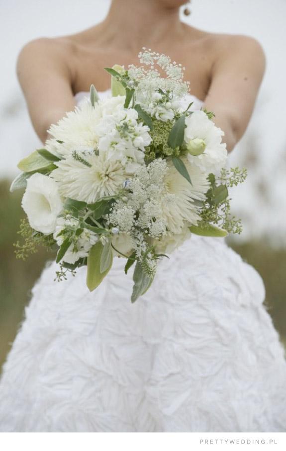 Niezwykły i nietypowy bukiet ślubny z chryzantemami