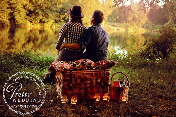 Romantyczne zdjęcia nad jeziorkiem