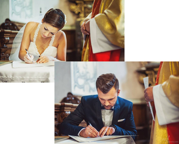 Podpisywanie dokumentów przez parę młodą w kościele