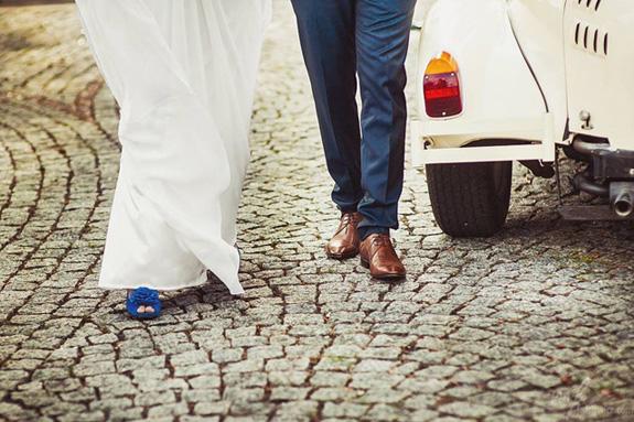 Niebieskie buty do ślubu
