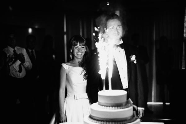Tort weselny w fajerwerkami