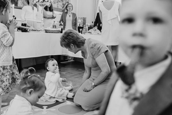 Zabawa z dzieckiem na weselu