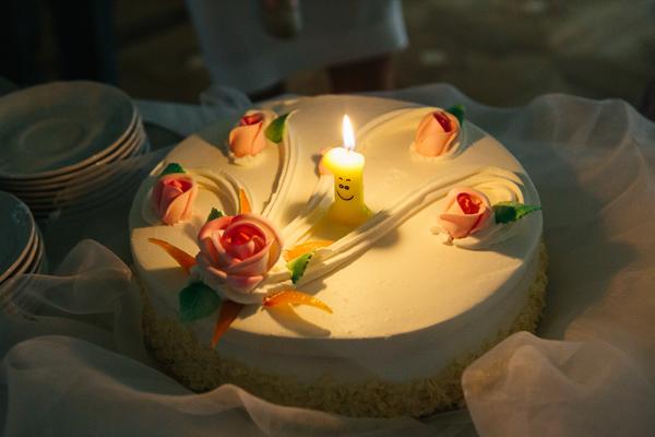 Rodzice świętują roczek dziecka na własnym ślubie